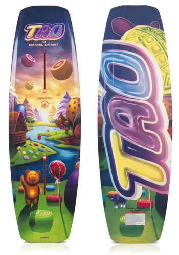 tao-141-liquid-force-wakeboard